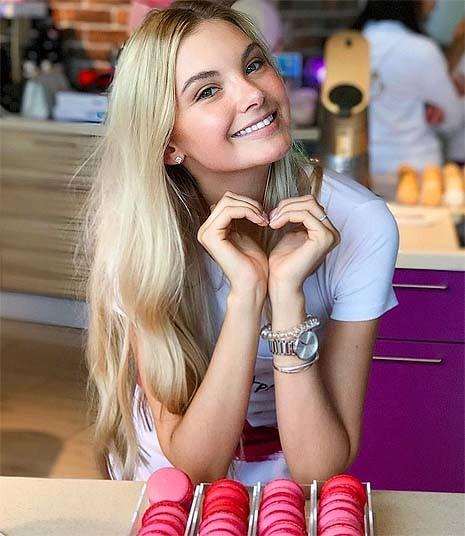 Полина Попова 3
