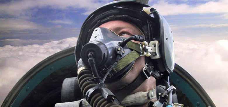сколько получают военные летчики